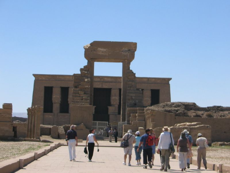 luxor dendera tour with a felucca from Hurghada by a private car